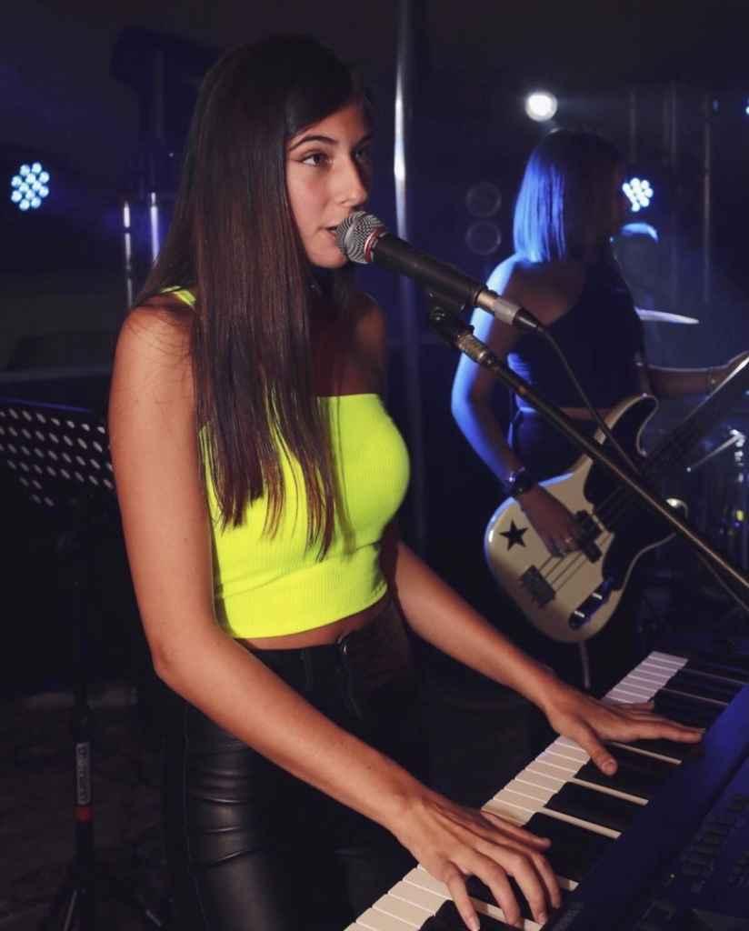 Arya (Arianna Marenghi) - Light